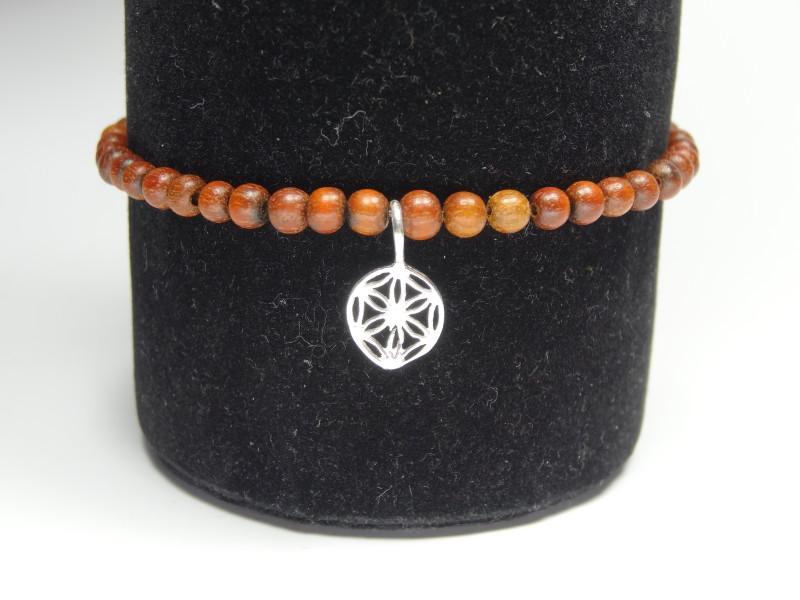 Armband auf Gummi mit Holz und Silber